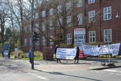 weitere Banner auf der Kundgebung gegen Menschenrechtenverletzungen auf Lesbos am 4.4.2020 in Lüneburg