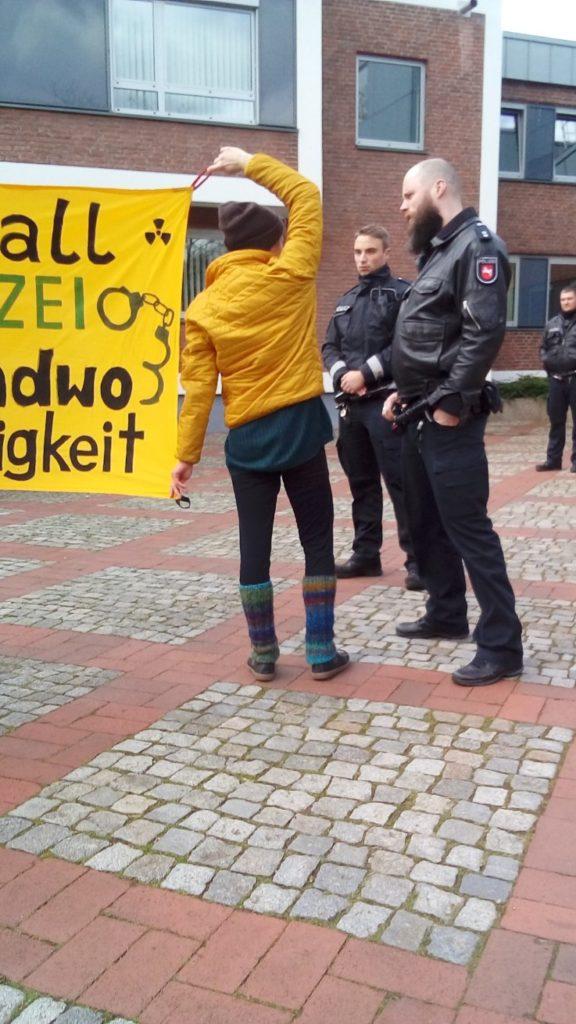 Banner zeigen am Amtsgericht Lingen verbtoen