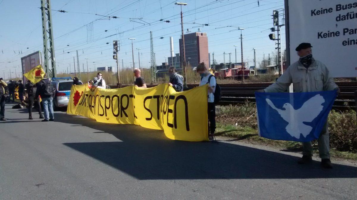 750 Tonnen Uranmüll verlassen Gronau unter Protest
