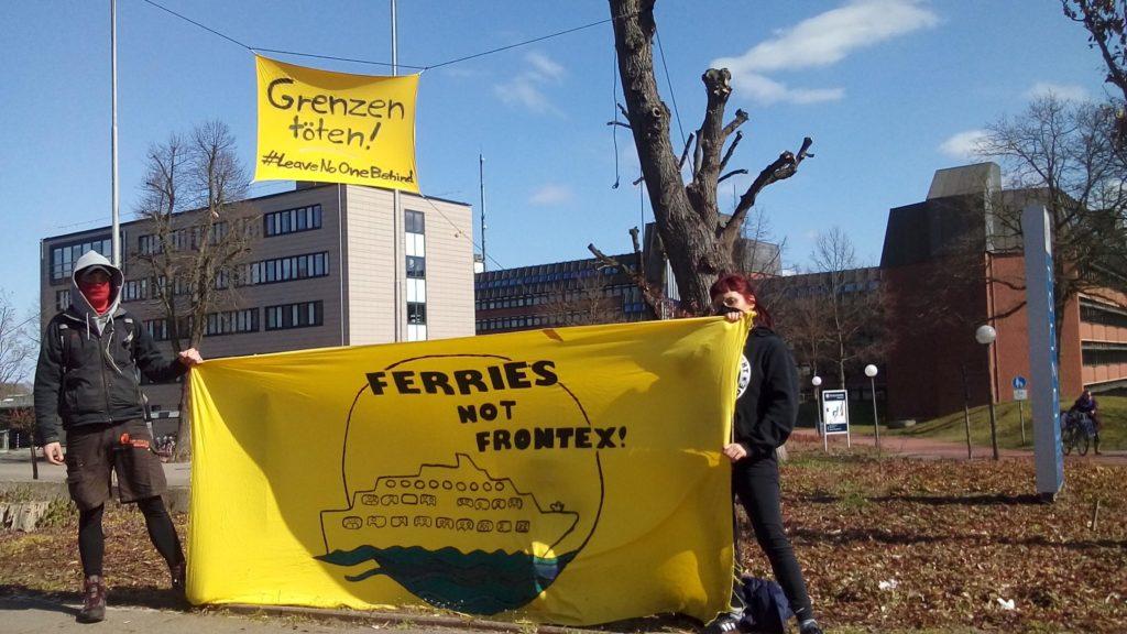 Banner Grenzen Töten - Ferries not Frontex