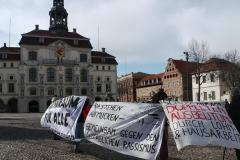 shutdown-LG-banner-vor-rathaus