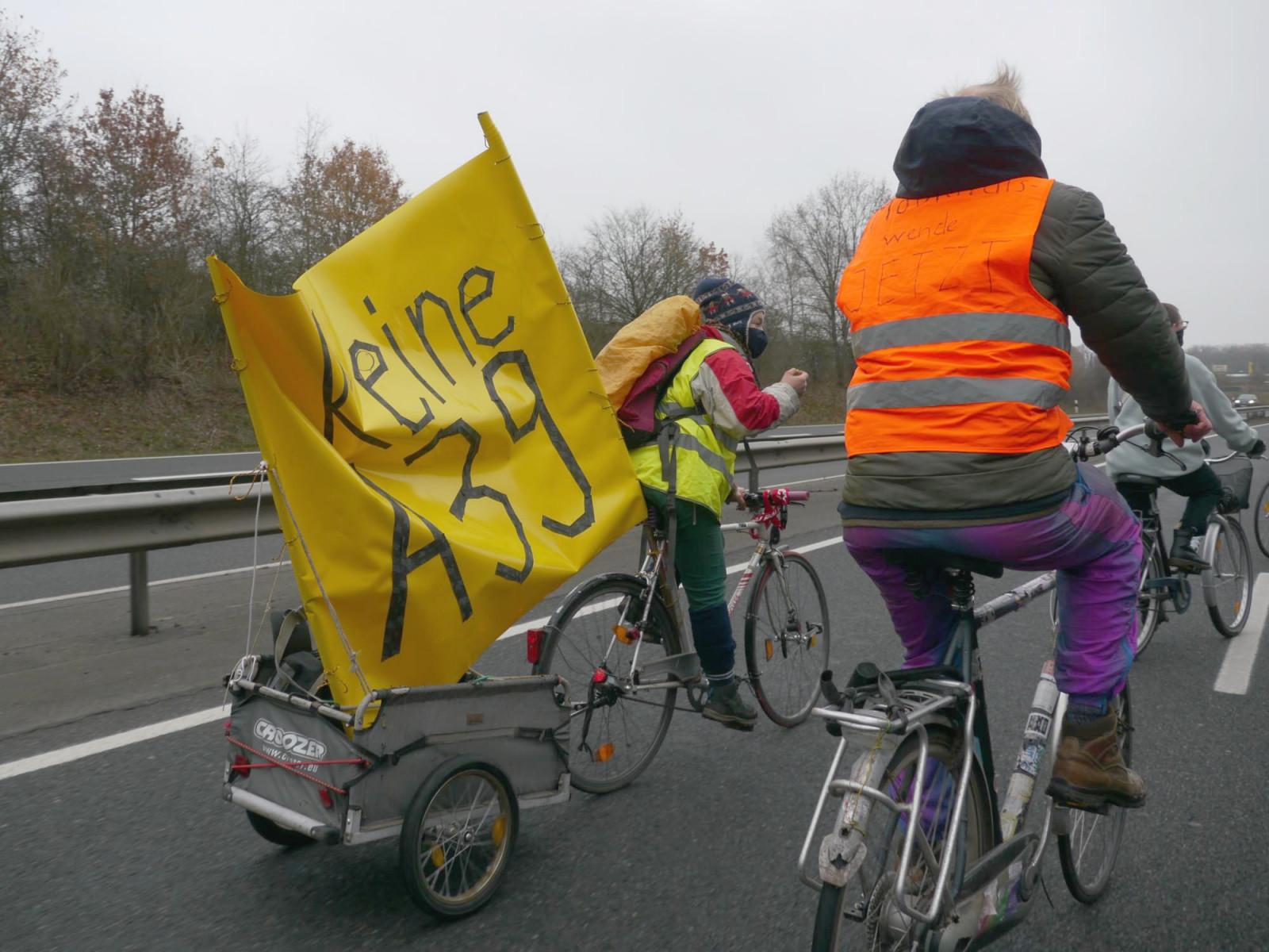 Autobahn-Fahrrad-Demo in Lüneburg