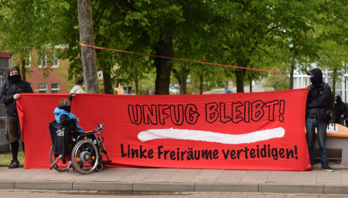 Banner unfug bleibt! Linke Freiräume verteidigen