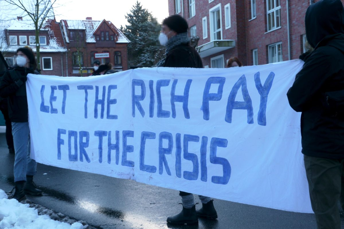 Banner let the rich pay for the crisis